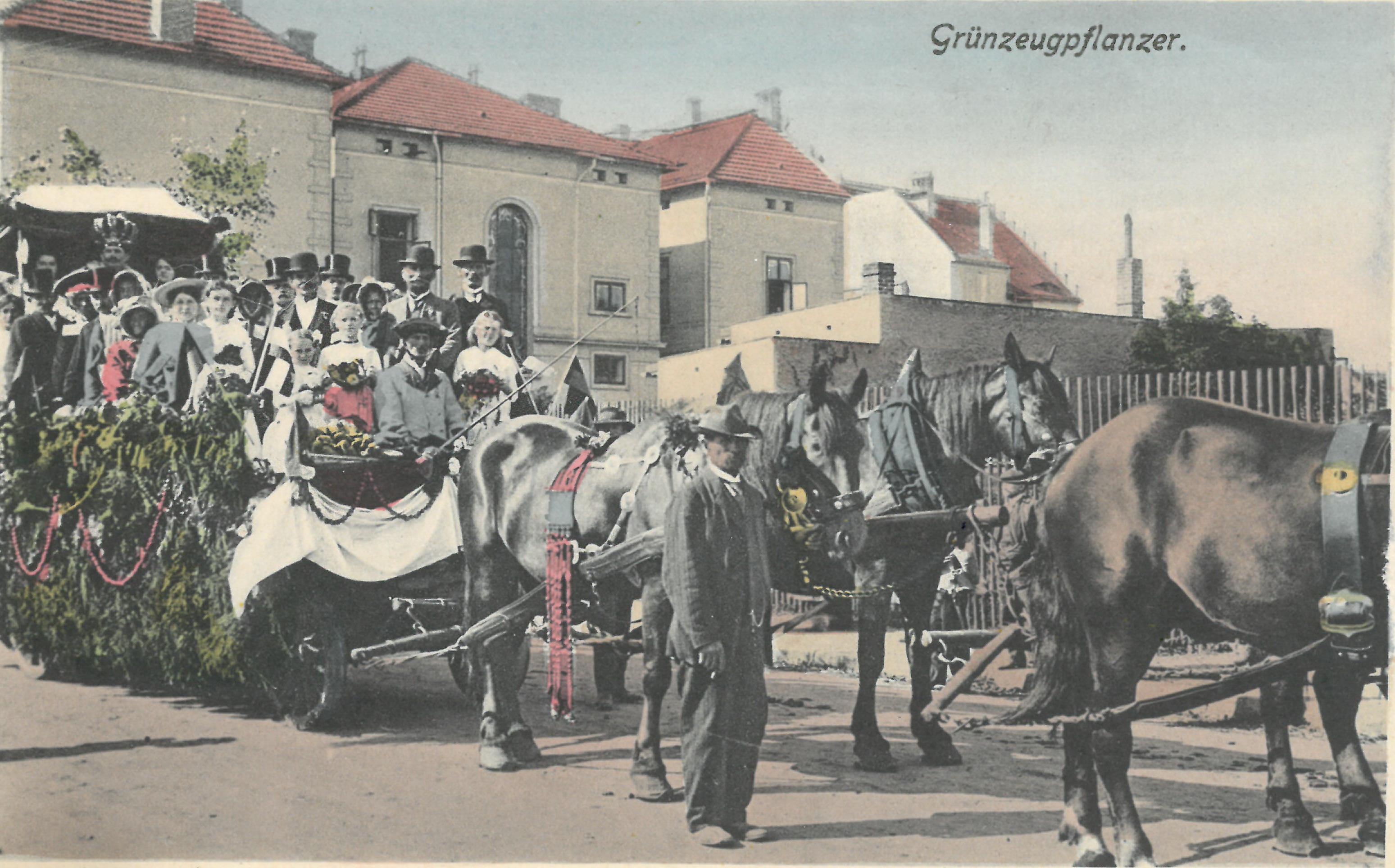 2. Okurkový král při dožínkách 1915