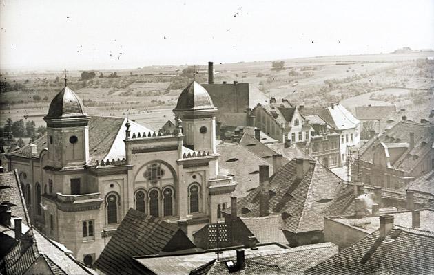 Synagoga - pohled od západu